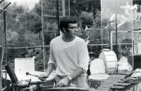 michel-aux-percussions.jpg